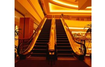 公用商场扶手电梯